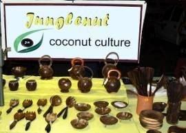 Jungle nutというお店で売られているハンドクラフトココナッツ