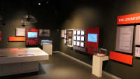 新館の内装、最新の映像テクノロジーを使った展示が見られます。